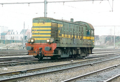 7002 at Antwerp Dam Depot on 18th February 2000