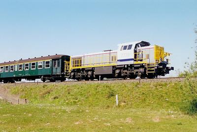 7739 at Witte Molen Junction on 6th April 2002