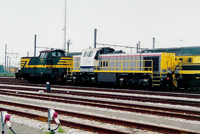 7718 at Antwerp Nord Depot on 24th May 2003