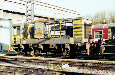 8442 at Schaarbeek Depot on 6th April 2002