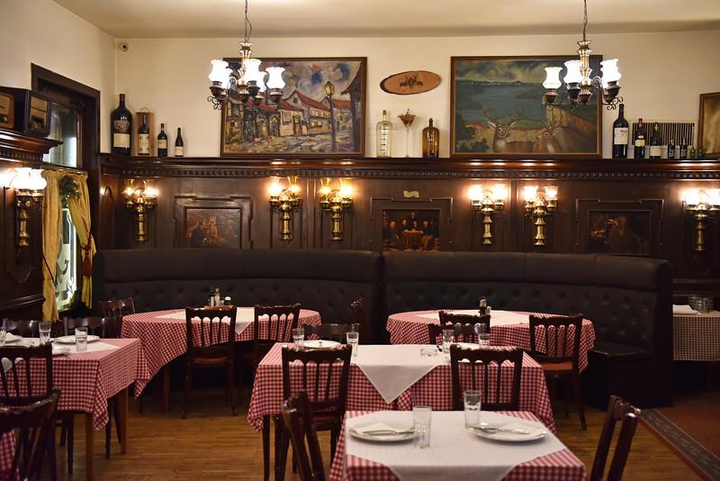 Dva Jelena Restaurant