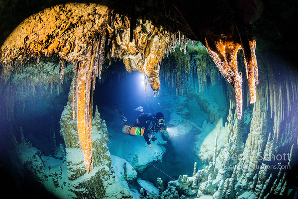 cave diving belize