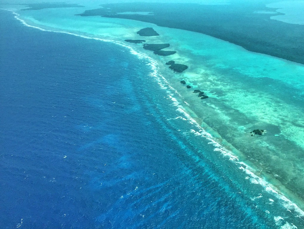 flight over blue hole belize