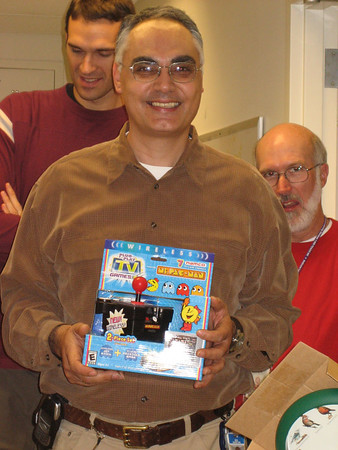 Looks like Moe stole Iggy's wireless video game ...
