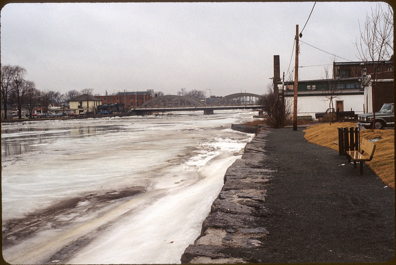 1981 Belleville flood along the Moira River. View towards Bridge Street bridge from along Front Street.