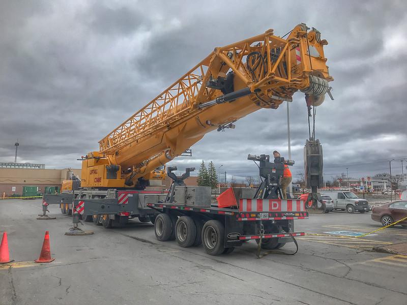 Crane at Quinte Mall