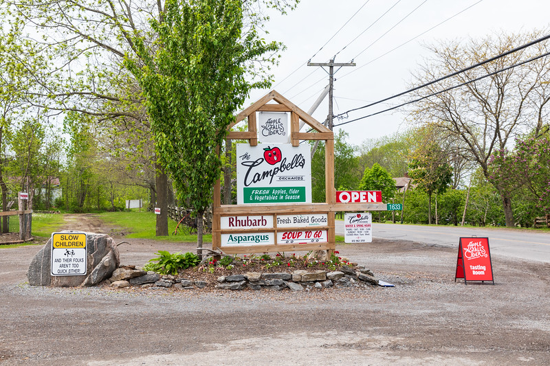 Campbell's Orchards sign. Rednersville.