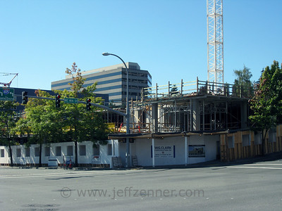 Metro 112 - Apartments by Simpson Property Group in Downtown Bellevue.317 112th Ave NE - at the corner of 112th & NE 4th, across from City Hall