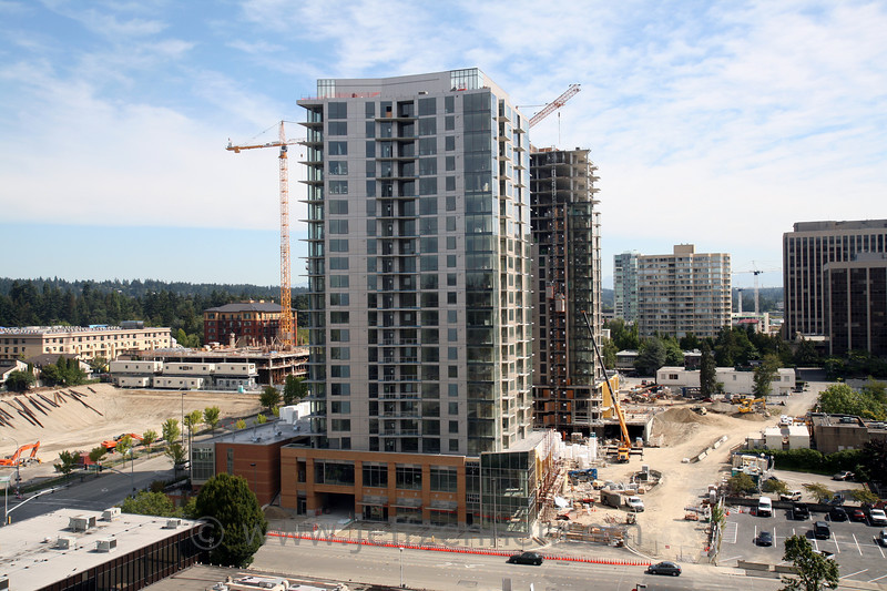 Washington Square - Development of the Superblock in Downtown Bellevue.  Including multi towers for condos, office, retail, restaurants, and hotel.<br>10620 NE 8th St - off NE 10th from 106th to 108th (Phase 1)