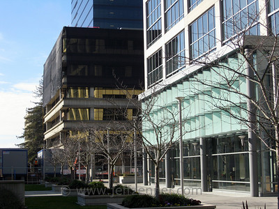 Summit C or Summit 3 is the third and final building in Bentall's Summit site.  At 300k+ sq ft, it will replace Summit Ridge built in 1970 with 68k sq ft.