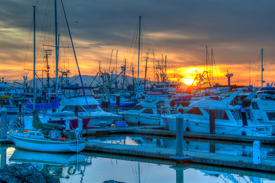 boat-harbor-sunset