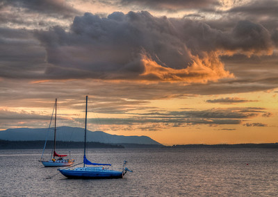 bay-boats-sunset