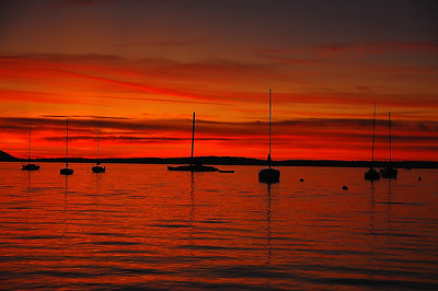 red-sail-boats-sunset-3