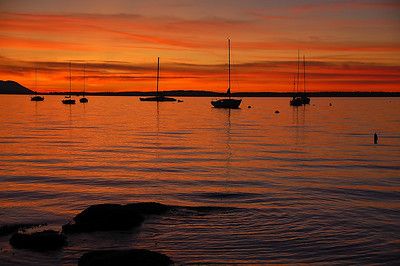 sail-boats-red-sunset
