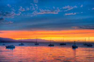 boats-bay-glow-sunset