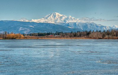 mount-baker-frozen-lake