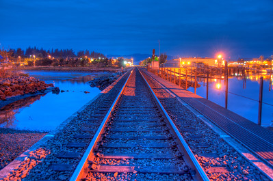 railroad-tracks-night