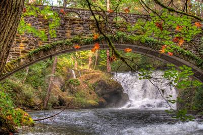 whatcom-falls-bridge