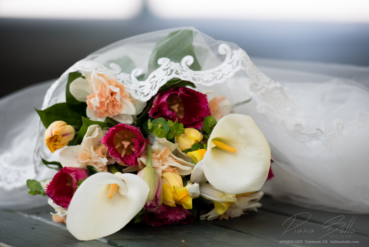 Bridal Bouquet and Veil