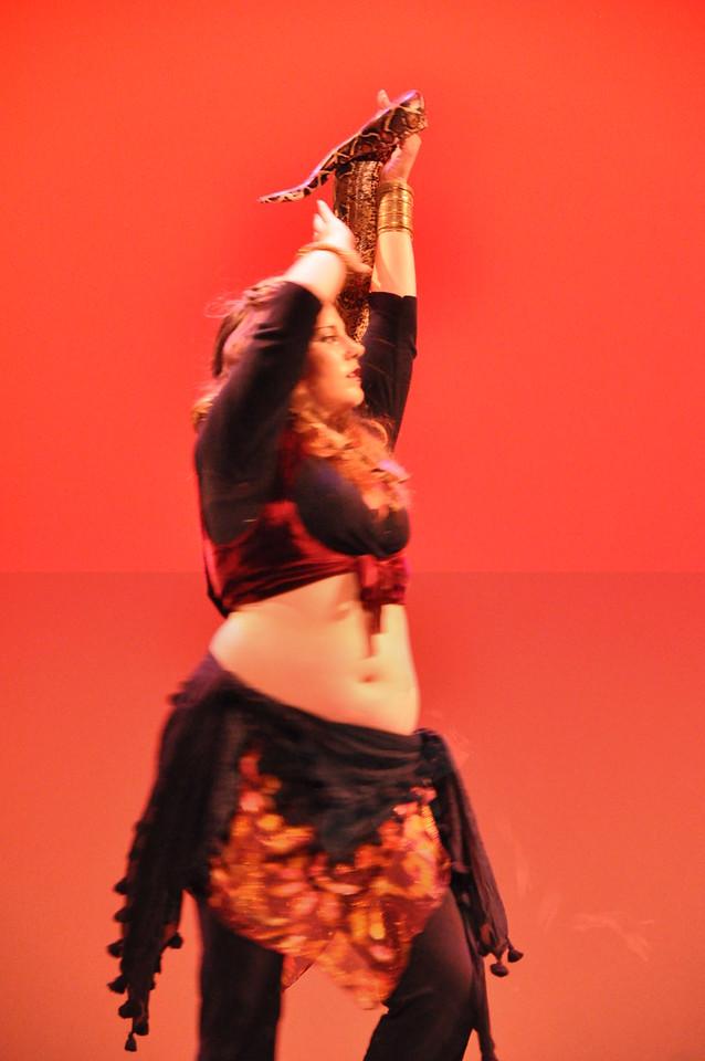 10-23-2010 Bellydance Extravaganza 251