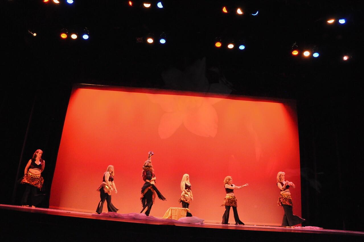 10-23-2010 Bellydance Extravaganza 255