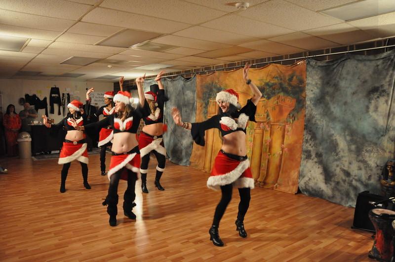 Holiday Hafla 12-19-2010 040