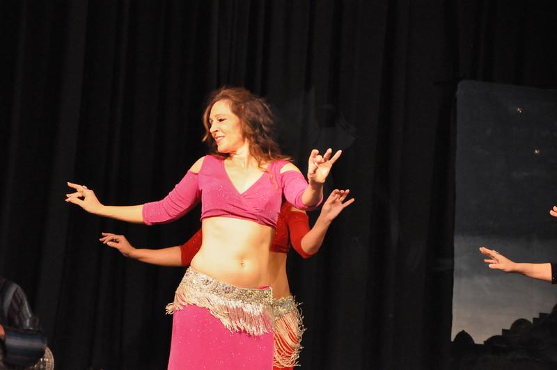 Troupe Sholeh Recital 6-2-2013 250