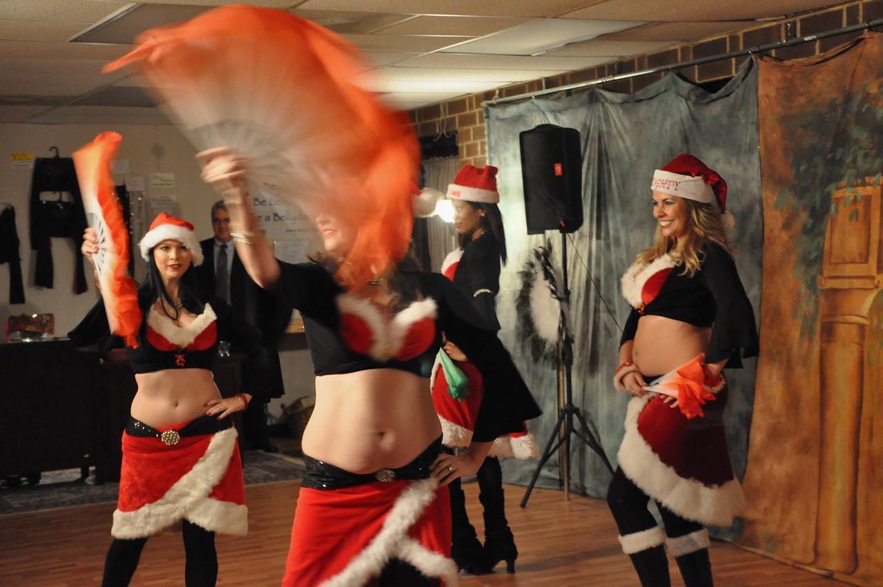 Holiday Hafla 12-19-2010 063