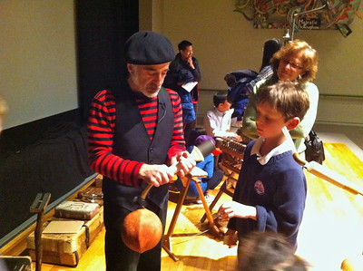 Showing how the Bellows works - Museum of Fine Arts