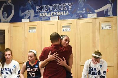 0317-women NCAA-game 1st