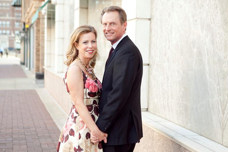 Holly&Greg-Kansas City plaza-002
