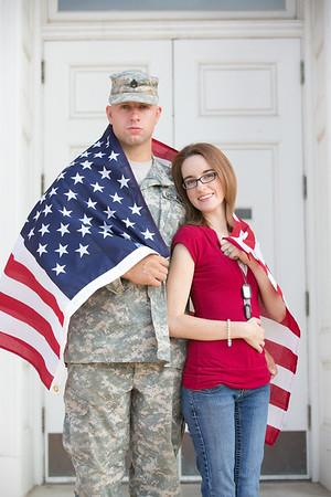 Jon&Elizabeth_BelovedSessions_KansasCity_JanaMarie-0022
