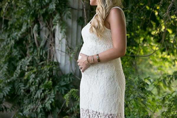 Maternity-Portraits-LongviewFarms-028