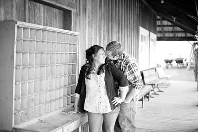 Sarah&Justin_KCengagement_RedBarnFarm0013