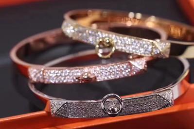 Hermes bracelet with diamond