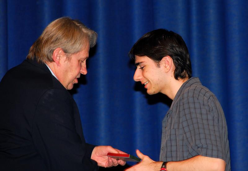 <b>Ben Gets an Award</b>   (May 09, 2007, 08:11pm)