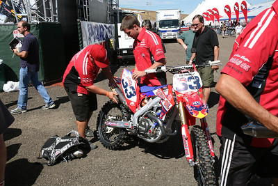 Without seeing a program, we think this is Townley's bike. Every team brought at least 2 exhaust systems to tech and switched them out.