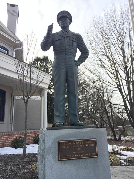 Eisenhower Statue Gettysburg 1