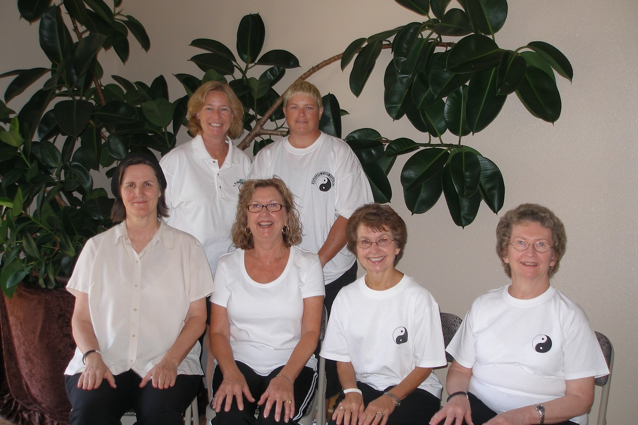 LT Tuesday July 2007 Graduation Class Back Row: Julie Cobb - Class Coordinator, Sye Saunders, Front Row: Judith Forsyth - Teacher, Linda Geers, Donna Whaley, Janice Mohr