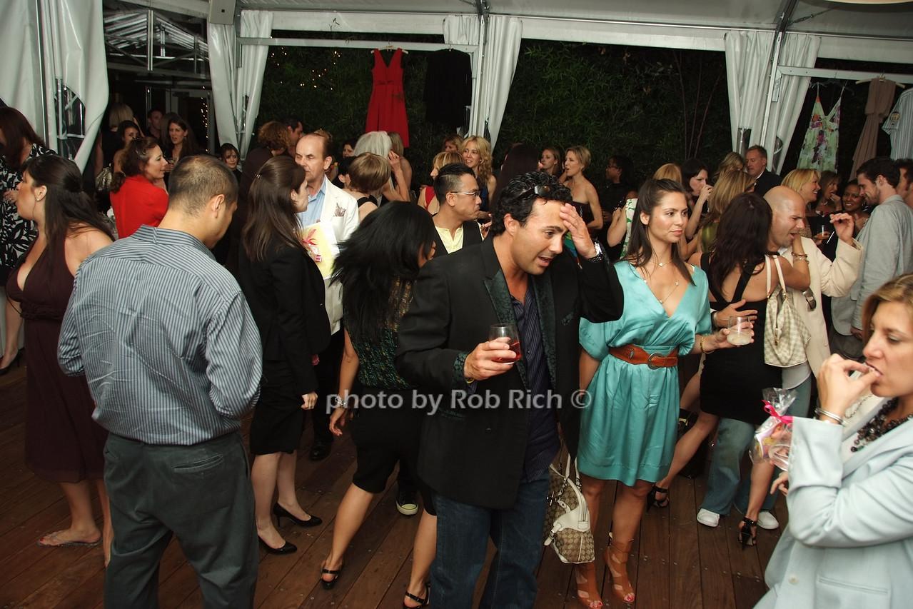 dancing photo by Rob Rich © 2008 robwayne1@aol.com 516-676-3939