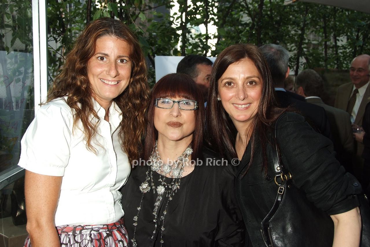 Nina Laricchia, Shelly Bromfield, Anna Deluca photo by Rob Rich © 2008 robwayne1@aol.com 516-676-3939