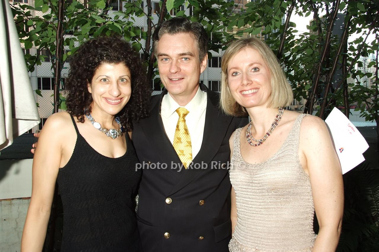 Elise , Brian Hunter, Nancy Smith photo by Rob Rich © 2008 robwayne1@aol.com 516-676-3939