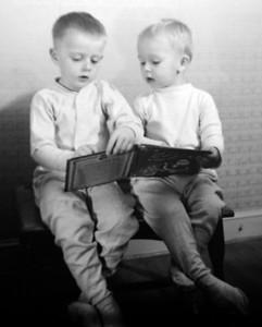 2 boys reading 2