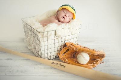 Ben Valadez Newborn-9684