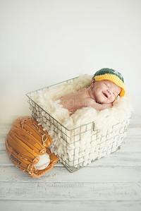 Ben Valadez Newborn-9721