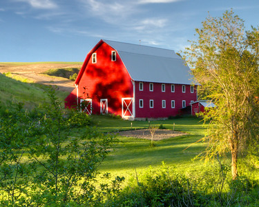 Palouse Barn at Sunset