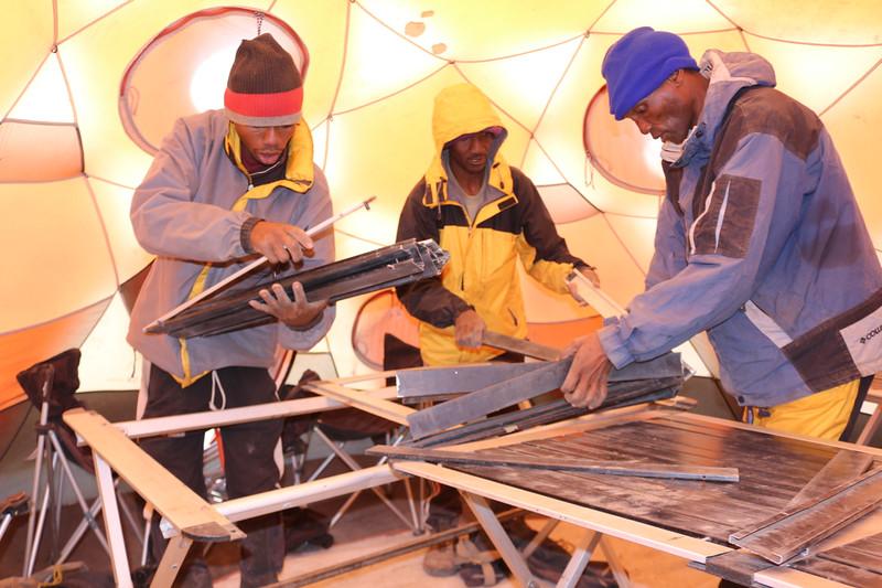 2016-09-30 Benson Tanzania Africa (Fri) Kilimanjaro Day 06 Barafu - Assemble tables