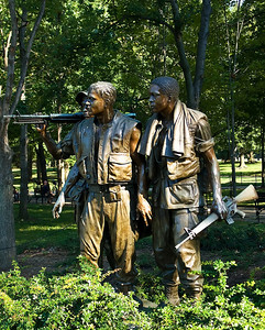 Three soldiers of Vietnam memorial.