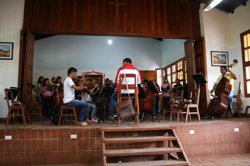 Students in Concepción playing baroque music
