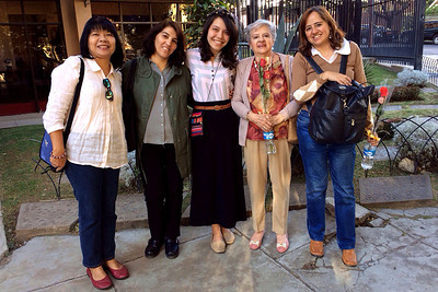 My many mommas!  (left to right) Boosaba, Alejandra (homestay coordinator), me, grandmother Elsa, hostmom Claudia